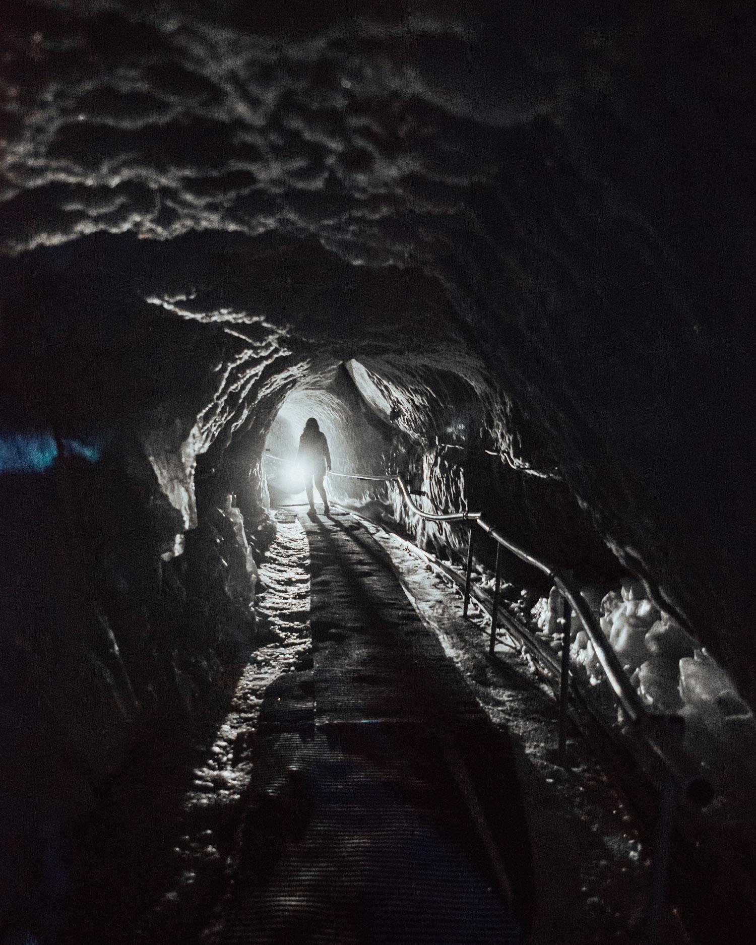 Promenera i ett glaciärpalats |Saker att göra i Zermatt, Schweiz