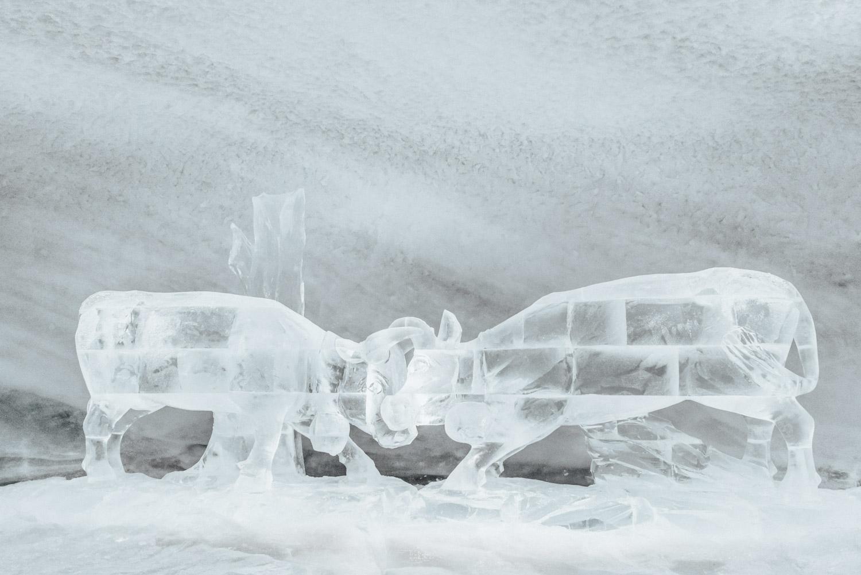 Spana in isskulpturer i Glacier Palace | Saker att göra i Zermatt, Schweiz