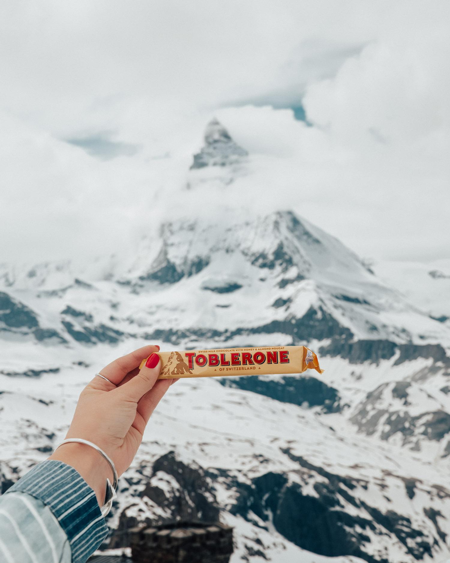 Tobleroneberget Matterhorn i Zermatt |Foto från toppen av Gornergrat