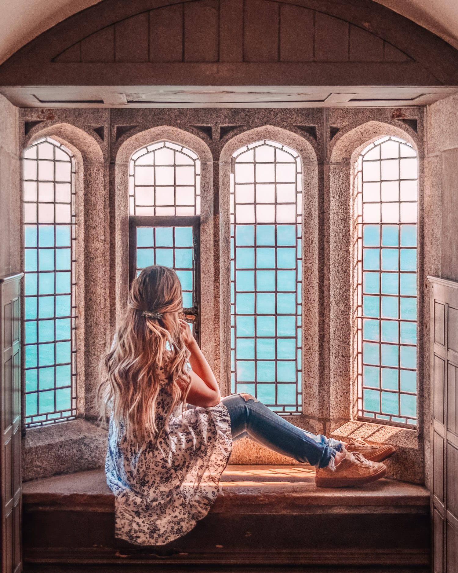 Vy från slottsfönster - St. Michael's Mount, Cornwall, England