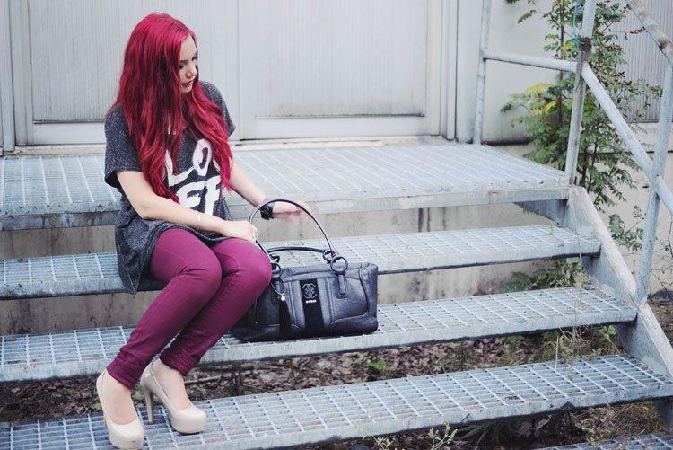 red_hair-girl