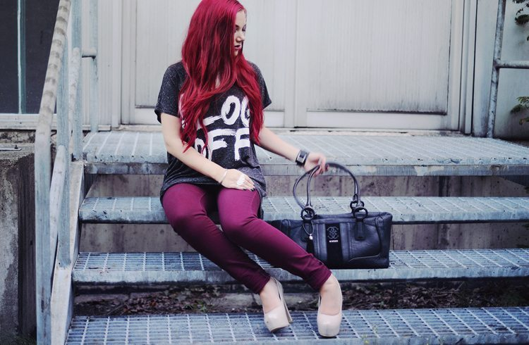 red_hair-outfit