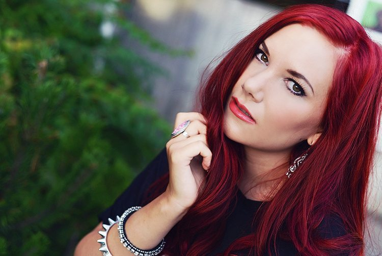 red_haired-girl