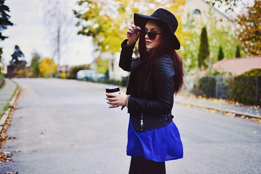 Outfit med hatt