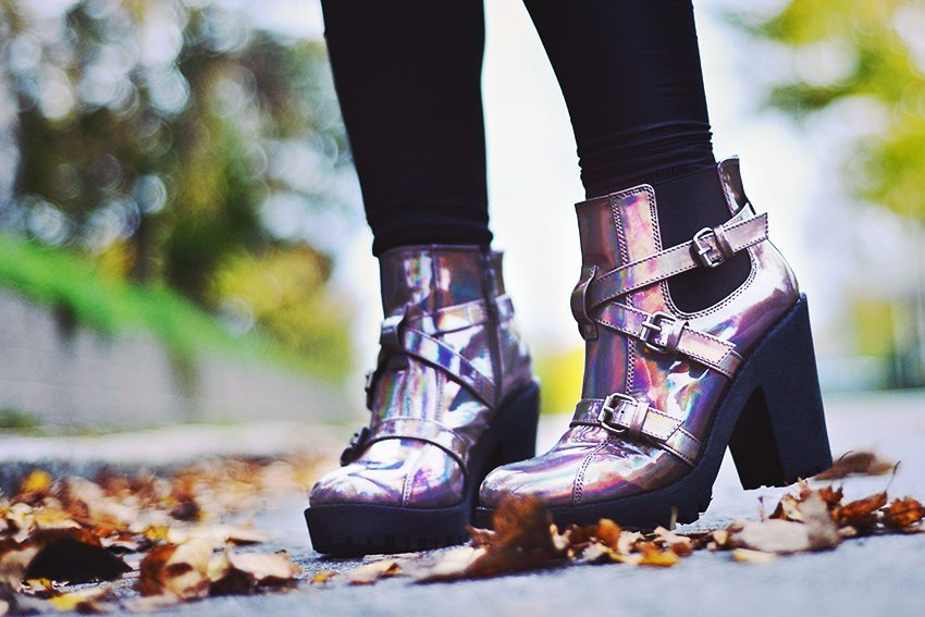 holographic_boot