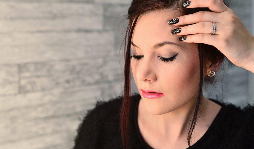 Romantic rock makeup