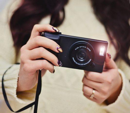 iPhoneskal i form av en kamera