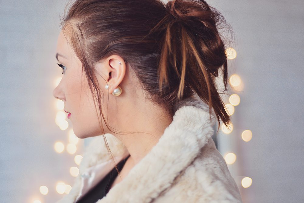 Double pearl earrings white