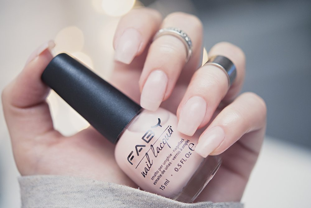 TIPS: En snygg manikyr hemma i 4 enkla steg // FABY Nail Lacquer This is my Style!