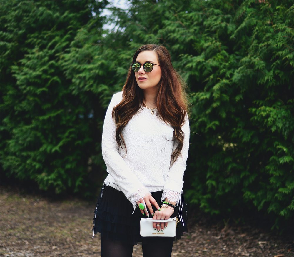 Green details outfit