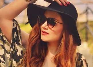 Hat & sunglasses