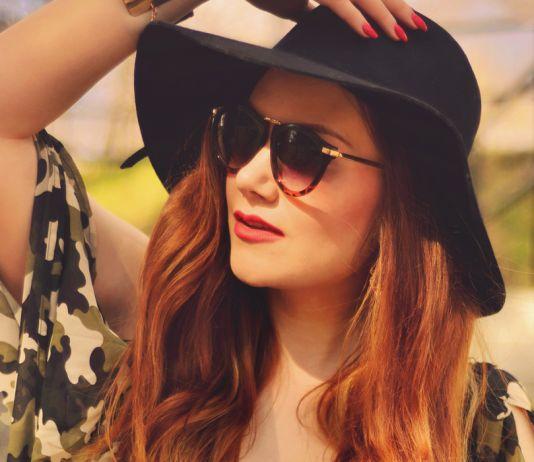 Hat & sunglasses
