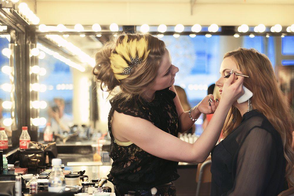 Air Optix Colors Event - Art of Makeup School