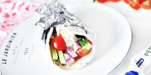 Tunnbrödswraps med rostbiff, potatissallad och pepparrot