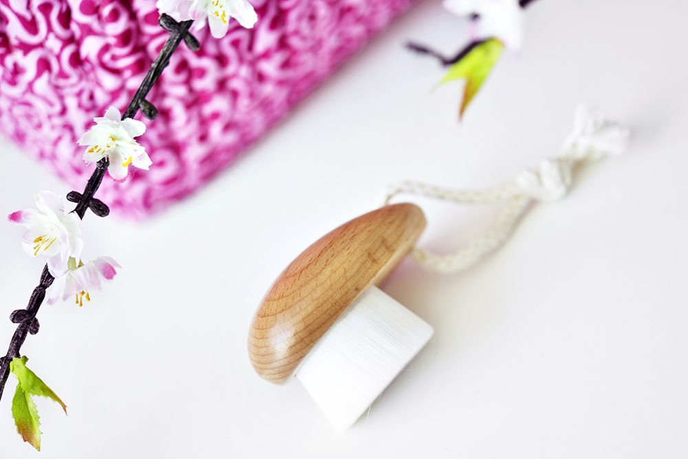 The Body Shop Super Soft Cleansng Brush