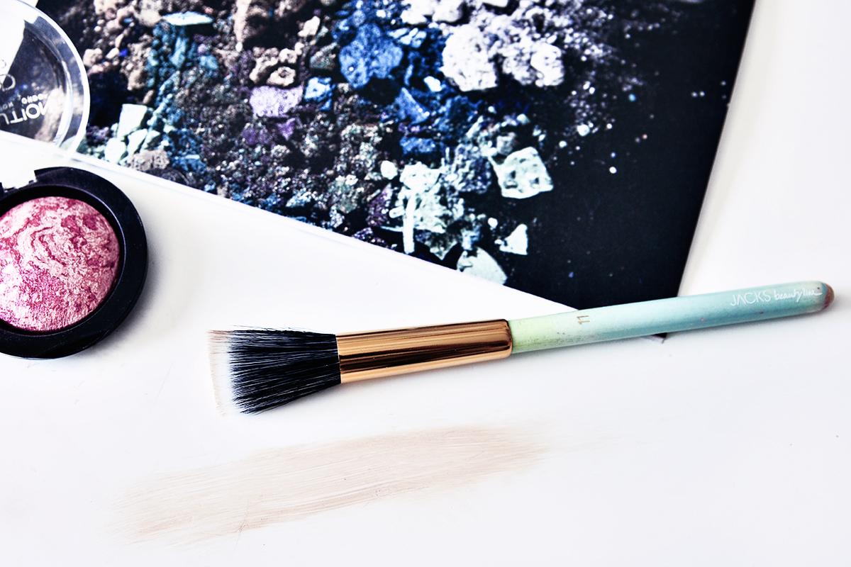 Jacks Beauty Line nr. 11 Foundation and Blush Brush