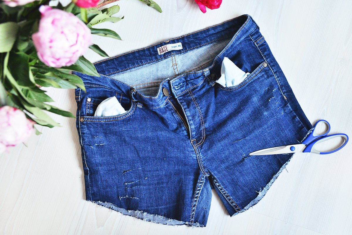 DIY Ripped denim cut off shorts