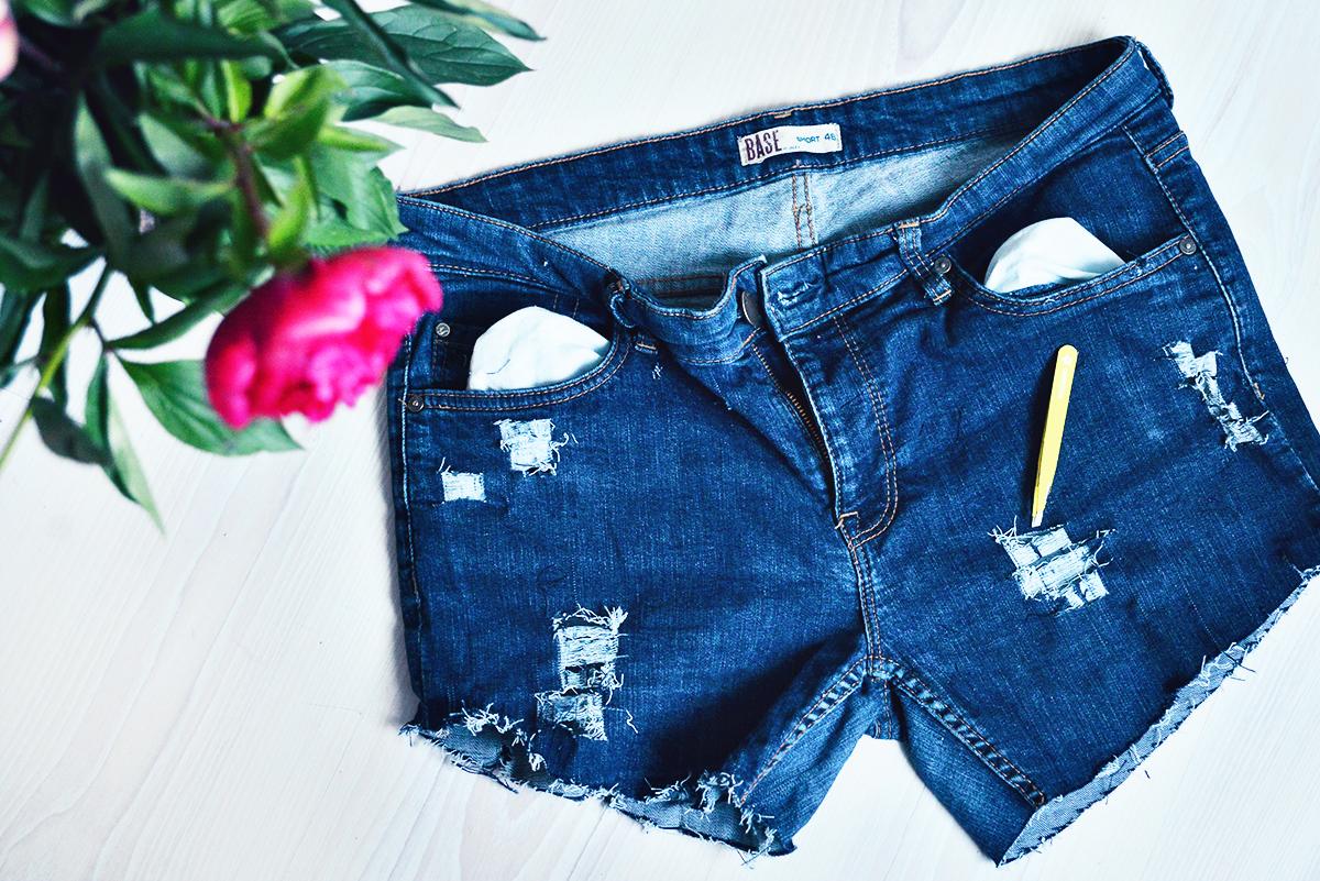 DIY: Blekta & slitna jeansshorts i 6 enkla steg • ADARAS
