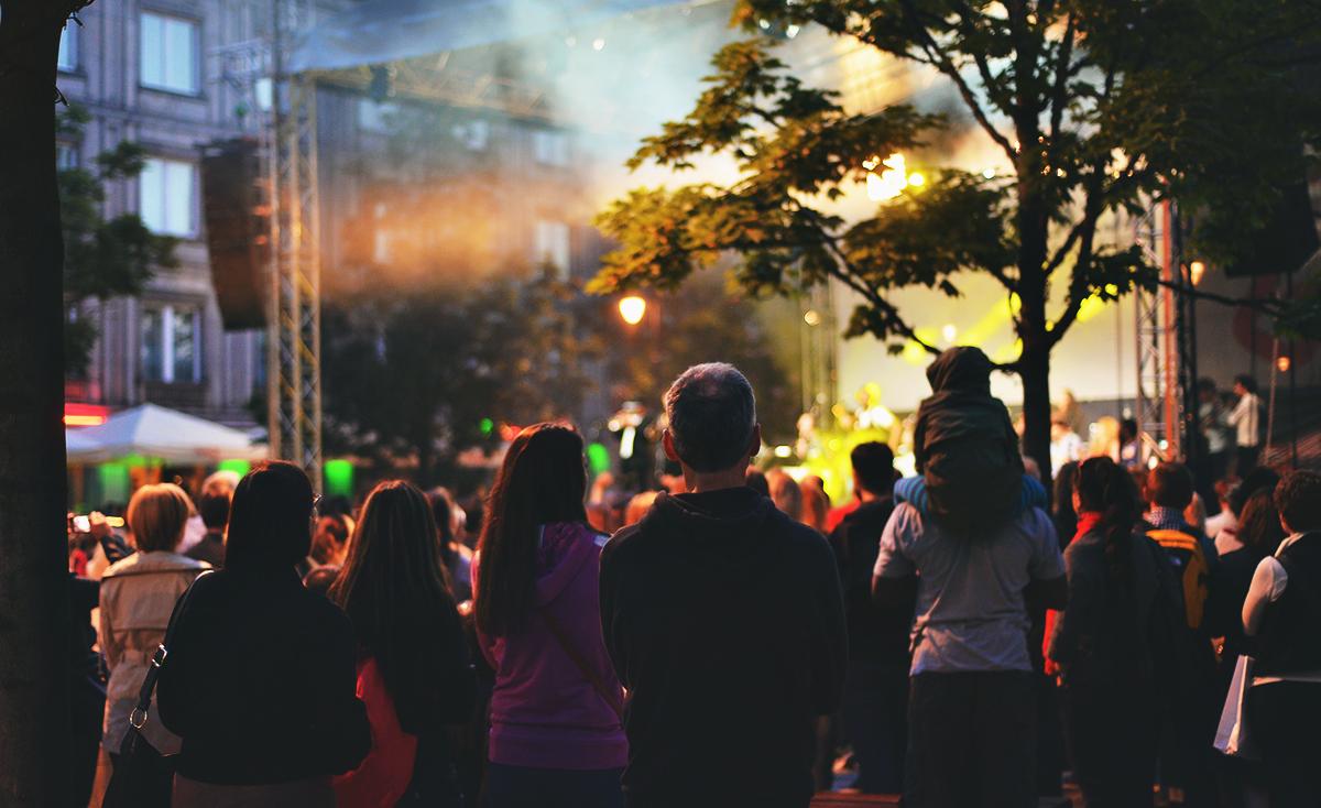 Kvällsunderhållning i Polens huvudstad