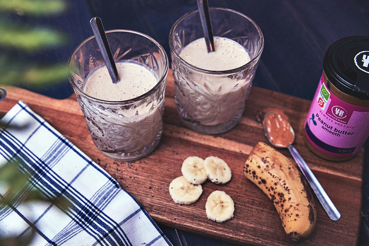 Smoothie med jordnötssmör & banan
