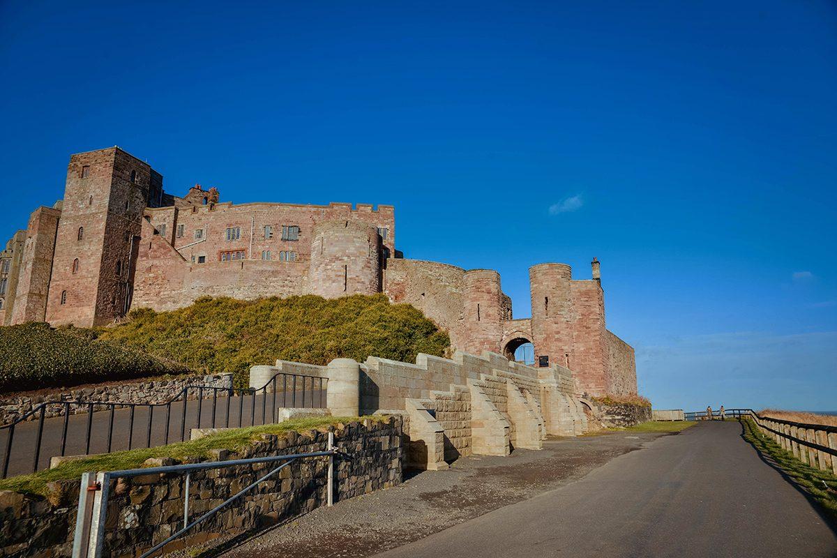 bamburgh castle harry potter - photo #10