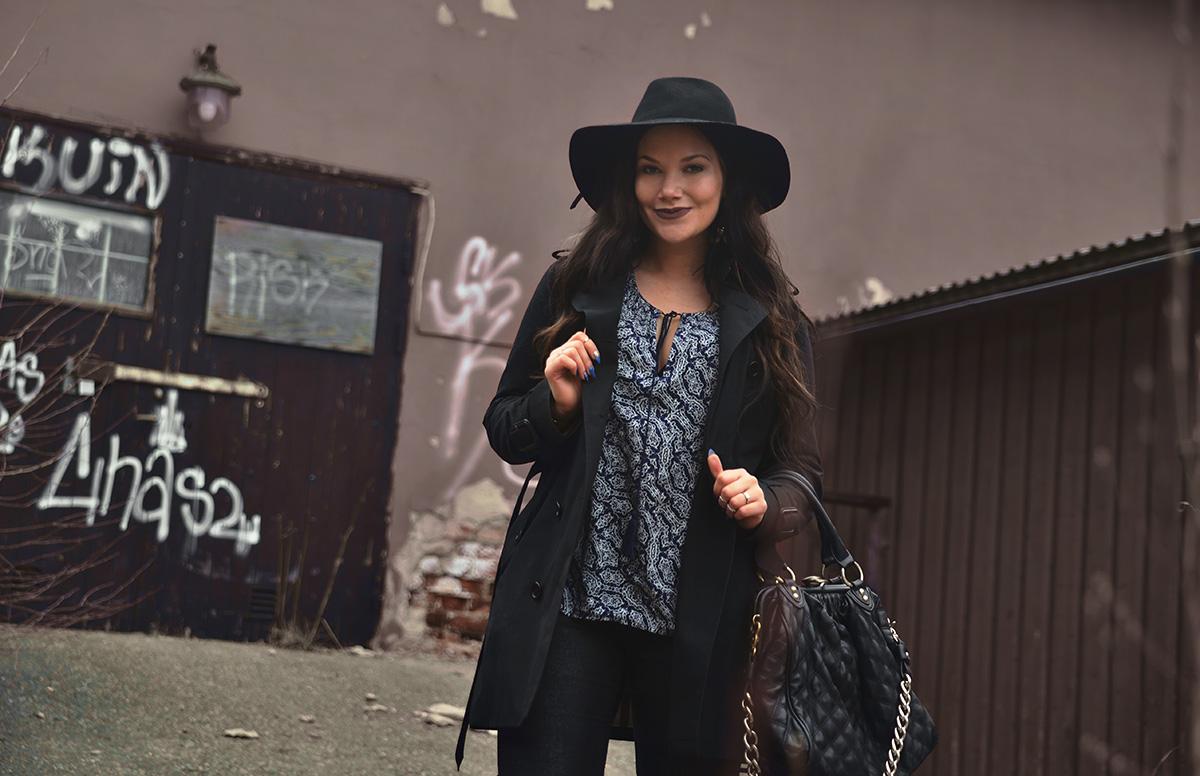 Boho-outfit med NYX Lip Lingerie Embellissement