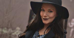 Mörka vårläppar med NYX Lip Lingerie Embellissement
