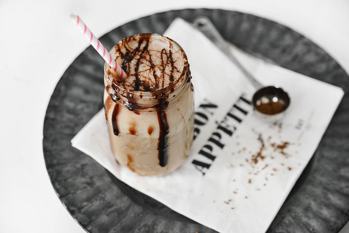Iskall frappe med snabbkaffe