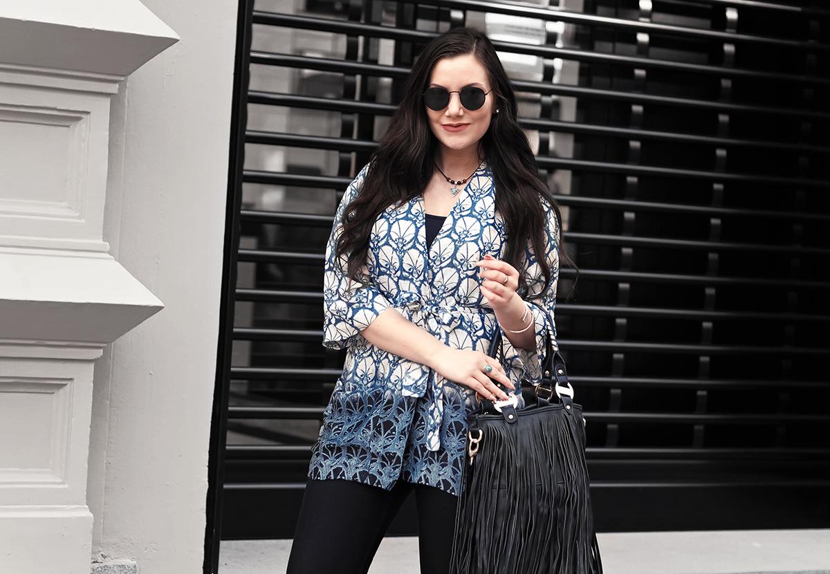 Blue kimono outfit + Fringe bag
