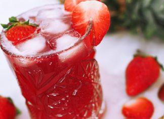 Fresita jordgubbsdrink med ananas och citron