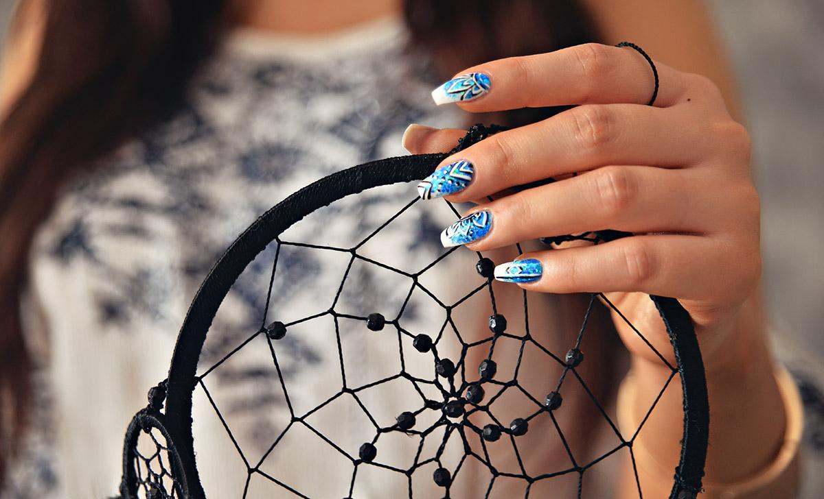 Boho nails and a dreamcatcher