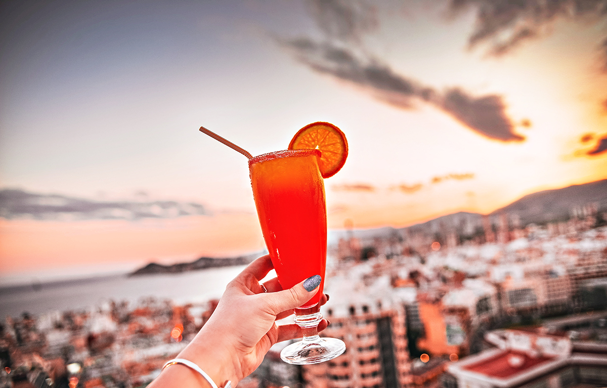 Cocktails at Madeira Centro Rooftop bar Hotel