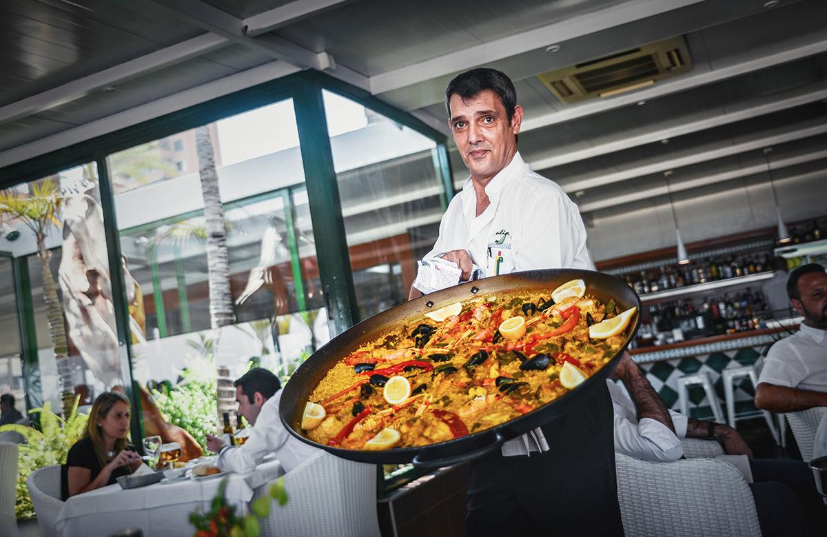 Paella lunch on Pontiente Beach in Benidorm