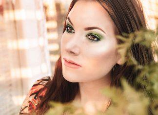 Tropical Green Garden Makeup