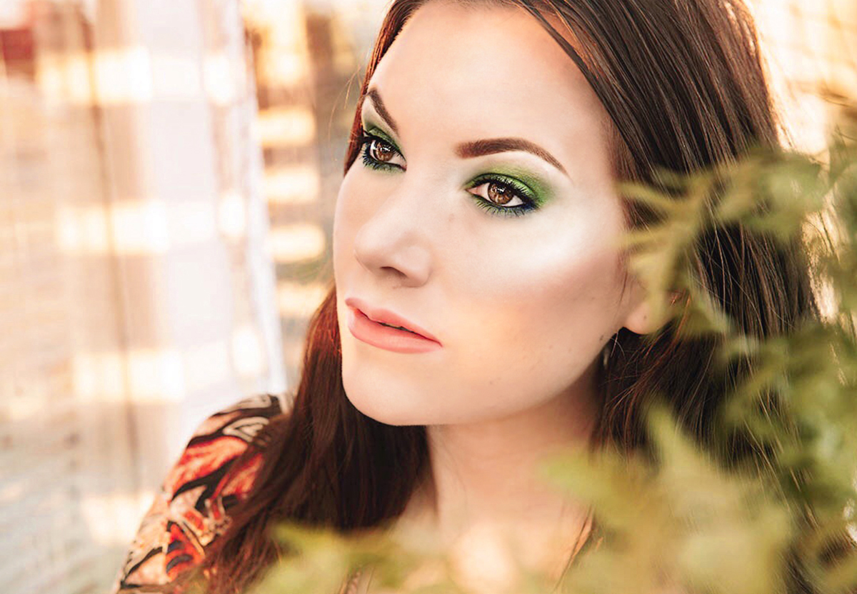 Tropical Green Garden Makeup