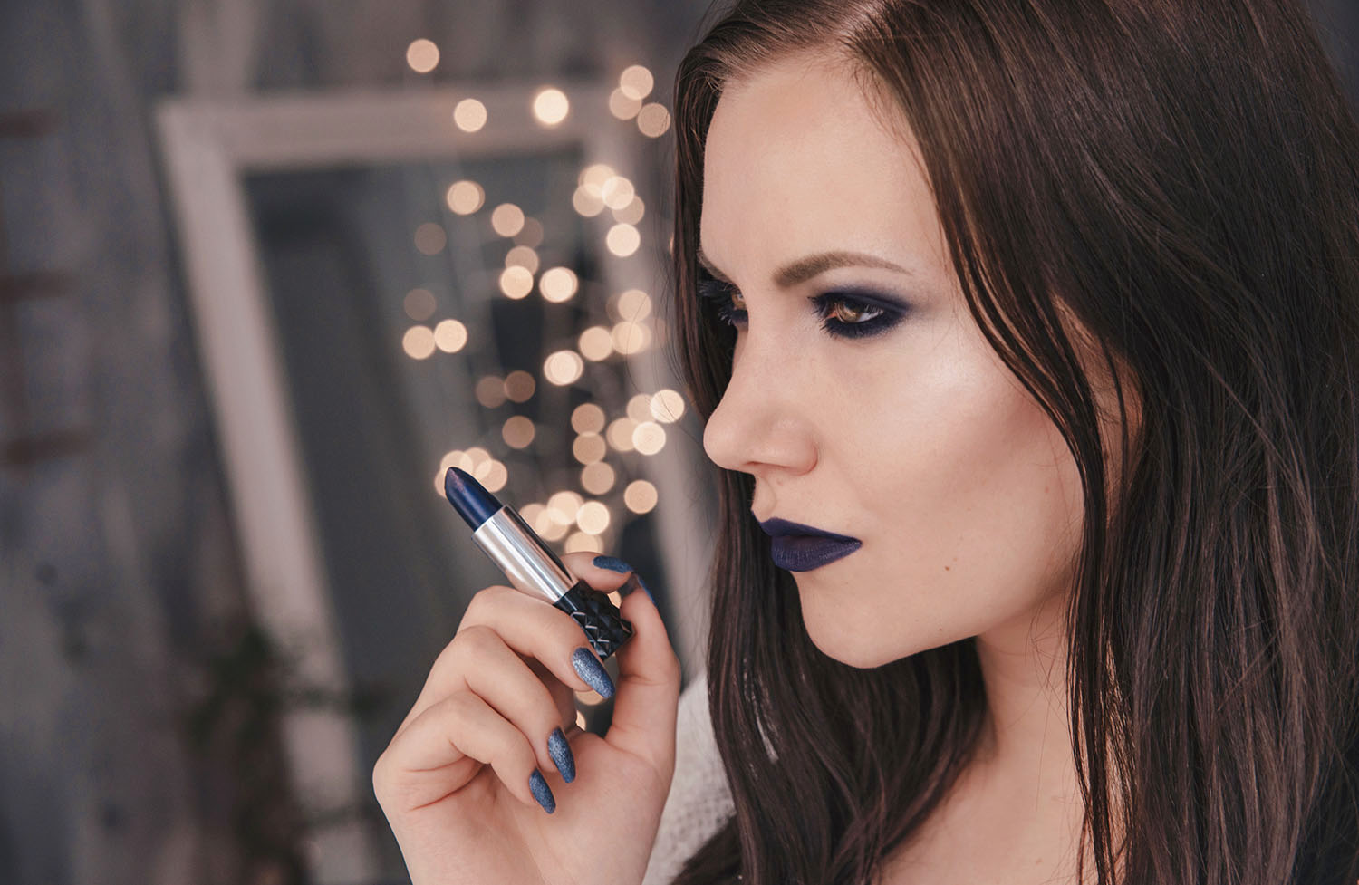 Kat Von D Studded Kiss Lipstick Poe - Blue Lips & blue eyeshadow