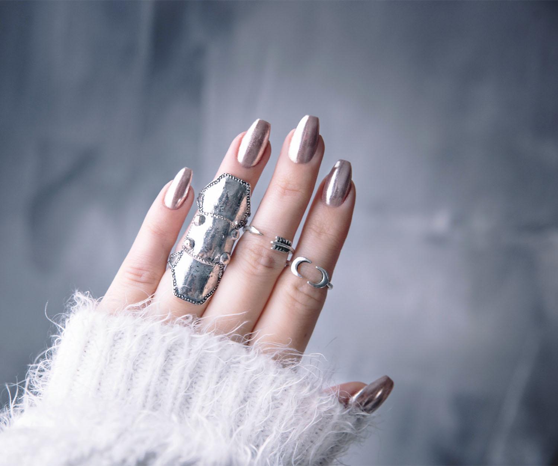 DIY: Chrome Nails / Chromenaglar