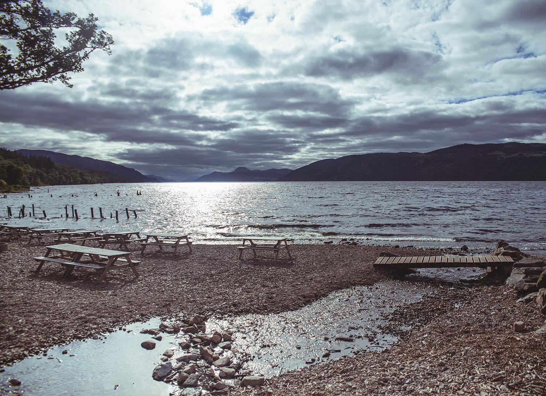 Utsikt över Loch Ness från Dores Beach