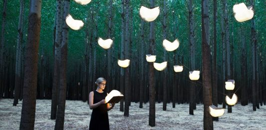Lumio -Lamp in the form of a hard-cover book