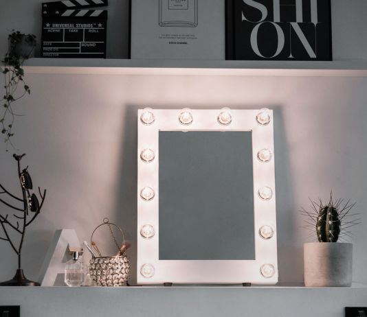 White Lighted Makeup Mirror