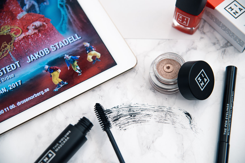 Flatlay: 3ina Makeup