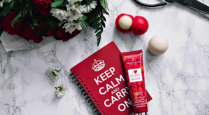 Elizabeth Arden Eight Hour Skin Protectant Cream & Eos