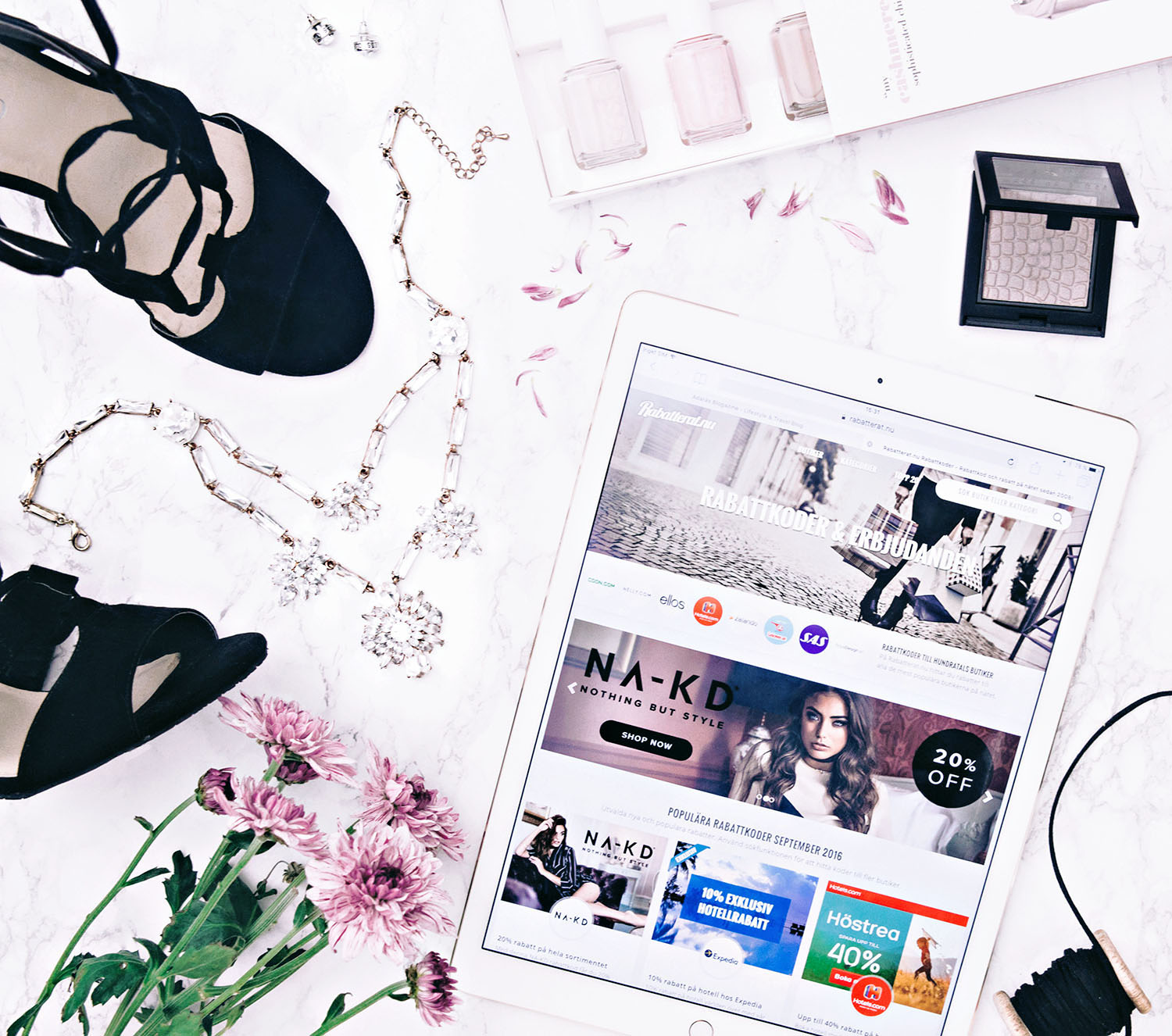 How to shoot flatlays for Instagram