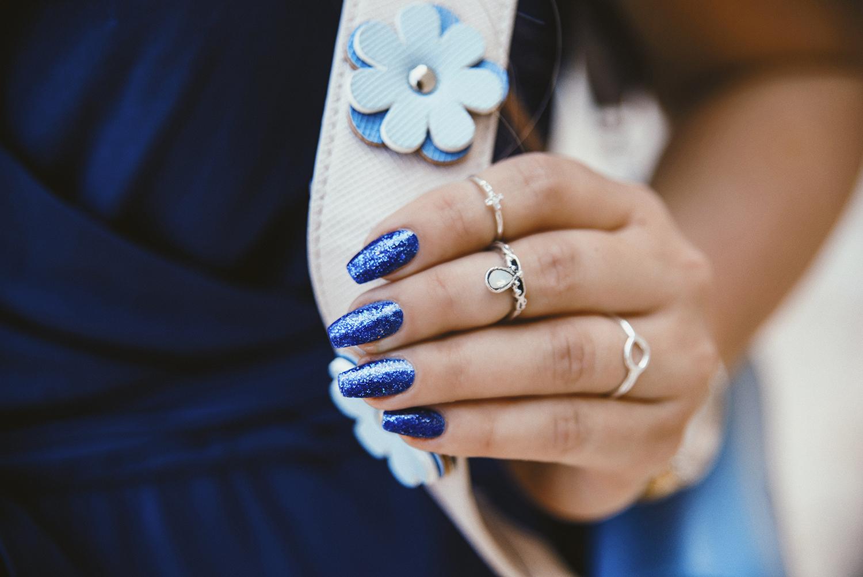 Lackryl High Heals Glittering Blue Nails