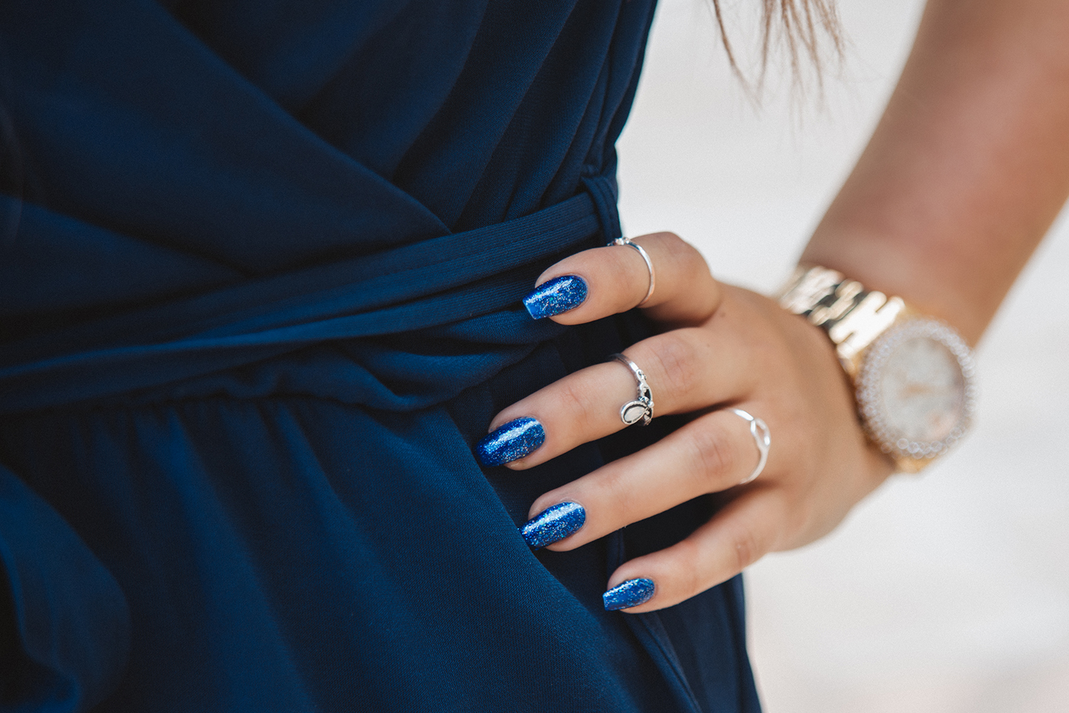 Lackryl High Heals Glittering Blue Nails