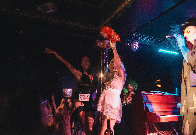 Cabaret - Madame Arthur at Divan du Monde