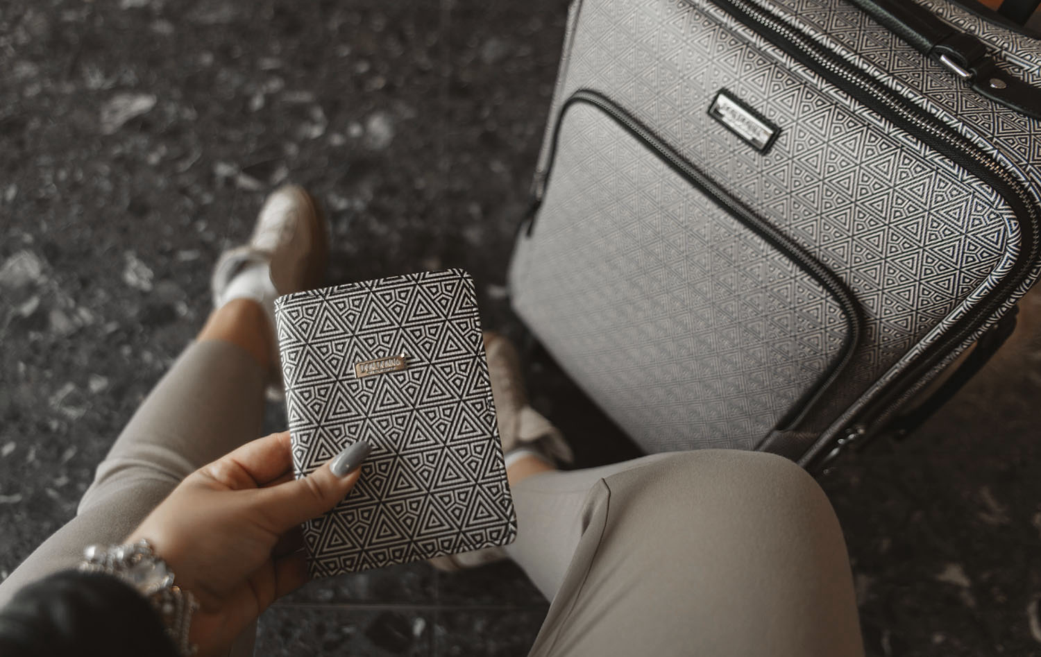 Accent - Don Donna Cabin Luggage & Passport Cover