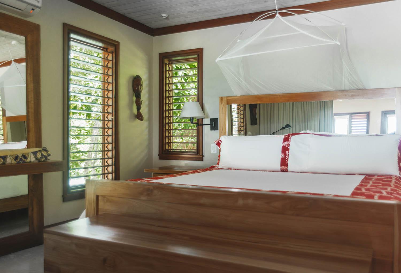 Golden Eye Resort - Hotel Room