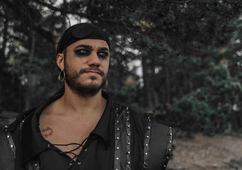 Pirat med makeup - Maskeradkläder för honom