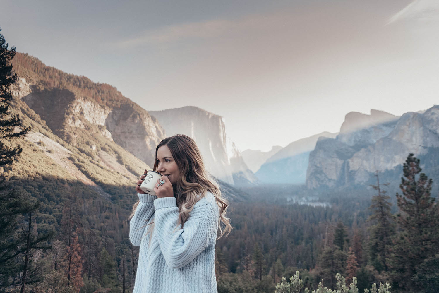 Adaras Cozy Blue Knitted Sweater Outfit in Yosemite National Park, California